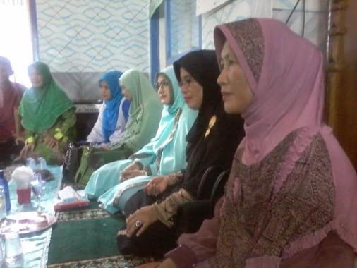 Hj Endah Kartika Prajawati (busana hijau) pembina pengajian muslimat Kabupaten Lampung Utara | Mukaddam/jejamo.com