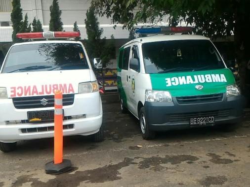 Ambulans Ilegal Masih Banyak  Mangkal di RSUDAM Lampung, Humas Klaim Sudah Melarang