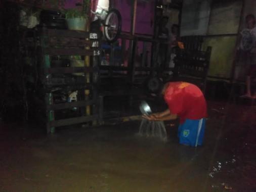 Beberapa Rumah Warga di Kedamaian Bandar Lampung Terendam Banjir
