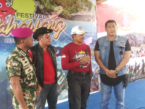Bupati Dendi Ingin Festival Pahawang Dilakukan Juga pada Pulau Lain di Teluk Ratai