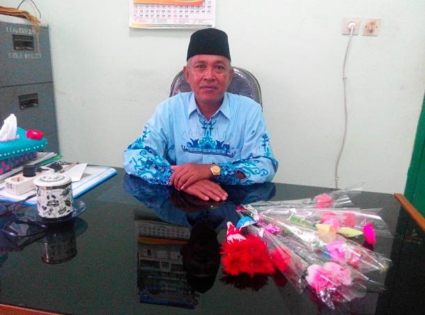 Sutrisno Kepala Sekolah Tertua dan Guru Berprestasi di Lampung Timur