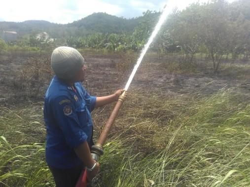Breaking News: Lahan Kosong Seluas 3 Hektare di Perumahan Puri Gading Terbakar