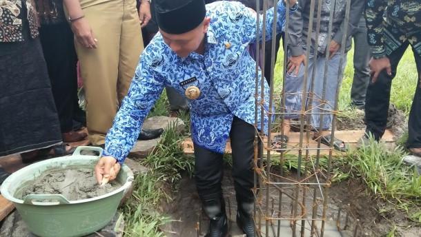Advertorial: Bupati Lampung Tengah Mustafa Minta Warga Tak Berobat Keluar Lampung Tengah