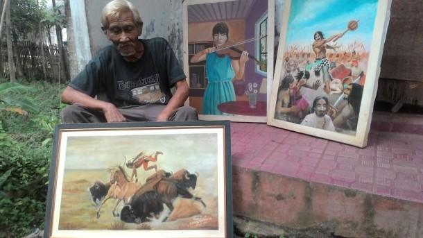 Menilik Kehidupan Kakek Pelukis Jalanan yang Tinggal di WC Umum Kota Metro
