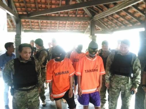 Para tersangka pembunuh Agus Santriaji dalam ekspose di Mapolresta Bandar Lampung | Andi/jejamo.com
