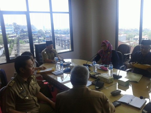 Wali Kota Bandar Lampung Rapat dengan Dewan Pengupahan