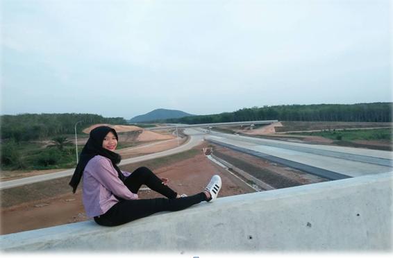 Tol di Sabah Balau Sering Dijadikan Tempat Berfoto Anak Muda Lampung