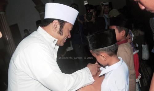 Netizen Heboh Kapolda Lampung Unggah Foto Gading Gajah Rektor UBL