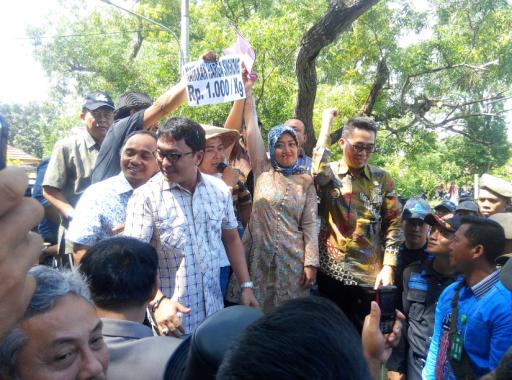 Ribuan Petani Singkong Lampung Timur Gelar Aksi Damai di Kantor Bupati