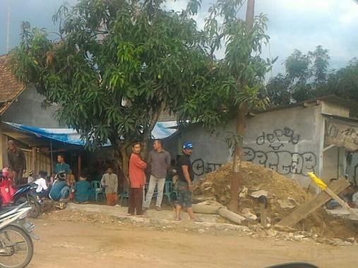 Suasana kediaman orangtua bocah berusia 9 tahun yang tewas terlindas truk, Kamis, 15/12/2016 | Andi/jejamo.com