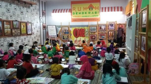 Bupati Lampung Utara Agung Ilmu Hadiri Peresmian Jalan