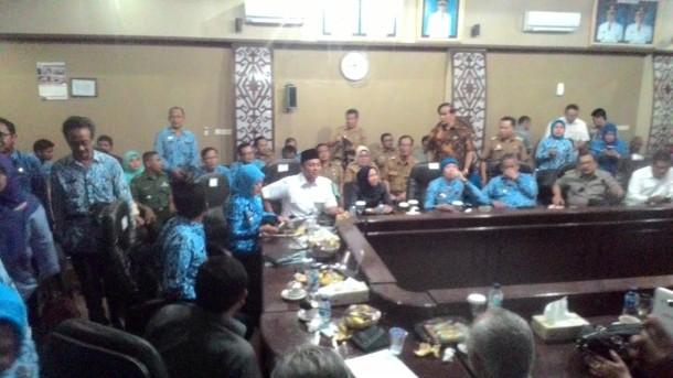 Kunjungan kerja DPR di Kota Metro. | Haris/Jejamo.com