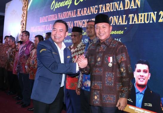 ADVERTORIAL: Bupati Lampung Tengah Mustafa Satu-Satunya Bupati di Lampung Dapat Penghargaan KMYA 2016