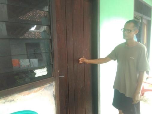 Breaking News: Kecanduan Lem Aibon, Remaja Ini Kepergok Mencuri Uang Kotak Amal Mushola