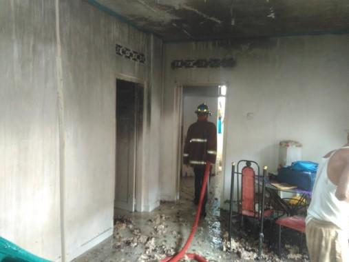 Breaking News: Saat Ditinggal Pemiliknya Kerja, Rumah Bedeng Nyaris Habis Terbakar
