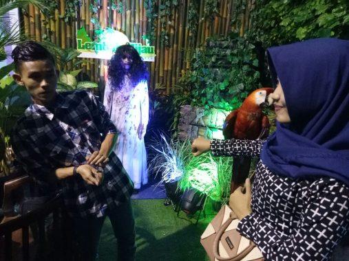 """Lampung Fair 2017, Ada """"Hantu"""" di Stan Lembah Hijau"""