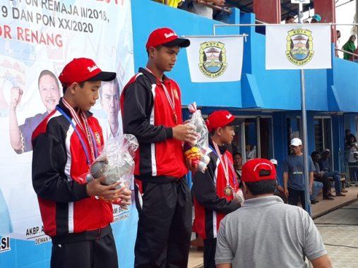 Renang Porprov Lampung: Siswa SMA Ar Raihan Nauval Raih Emas 800 M Gaya Bebas Putra