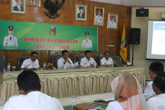 Bupati Lampung Timur Terima Penghargaan Apresiasi Pendidikan Islam