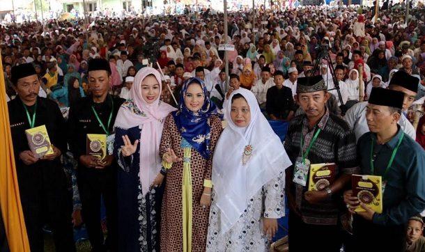 Istri Gubernur Lampung Hadiri Pengajian Akbar di Pondok Pesantren Salafiyah Darussalamah Assyekh Almursyid