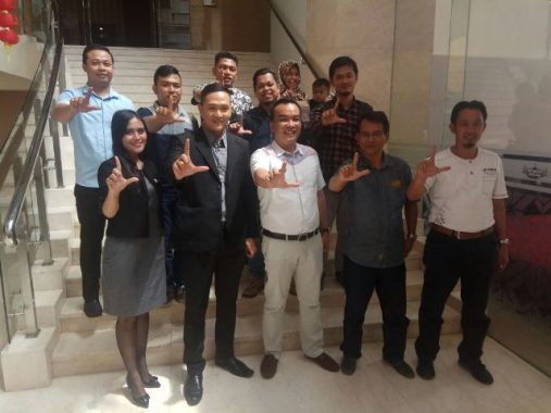 IEC Hadirkan Motivator Syafii Efendi di Universitas Malahayati