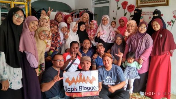 Kopdar Tapis Blogger Diisi Belajar Me-review Produk dan Fotografi