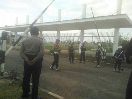 Jelang Kedatangan Presiden Jokowi, Penjagaan Gerbang Kampus Itera Diperketat