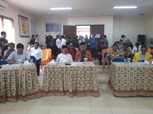 PILGUB LAMPUNG: Hanya Herman HN-Sutono Hadiri Penyampaian Hasil Penelitian Administrasi