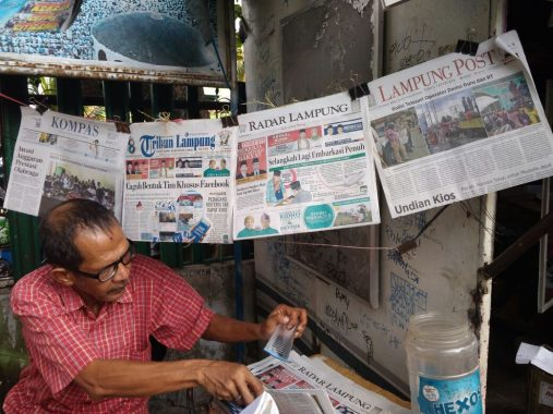 Apa Kabar Penjual Koran Jalanan?