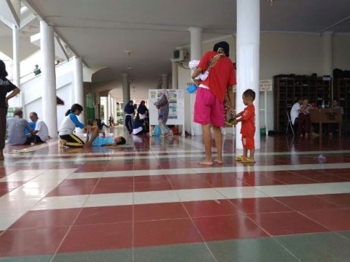 Pengemis di Masjid Al Furqon Bikin Jamaah Tidak Nyaman, Suka Tarik Baju dan Ngejar-Ngejar
