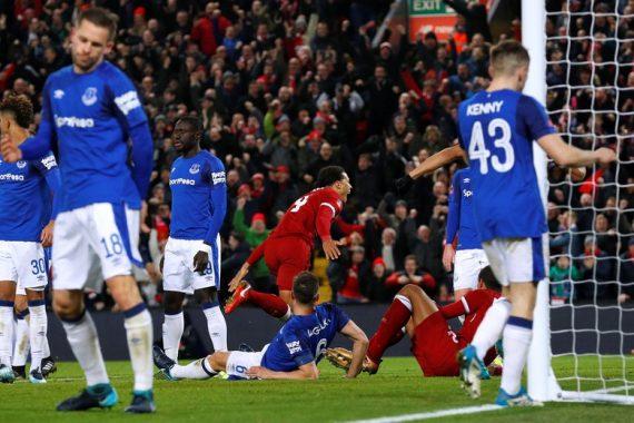 Piala FA: Gol Van Dijk Tentukan Kemenangan Liverpool atas Everton