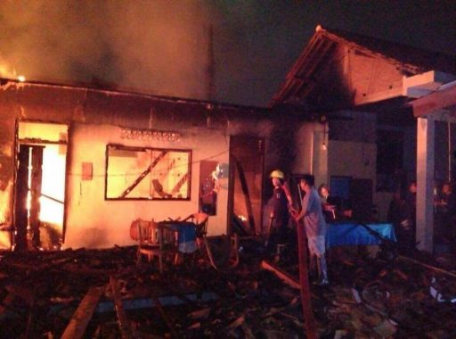 Rumah di 15A Metro Habis Terbakar, Ruang Salat Tak Terjamah Api