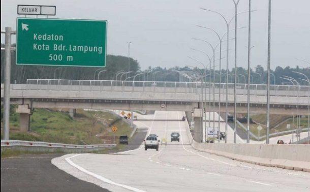 Belum Diganti Rugi, Warga Blokir Pembangunan Tol Lampung di Penengahan Lamsel