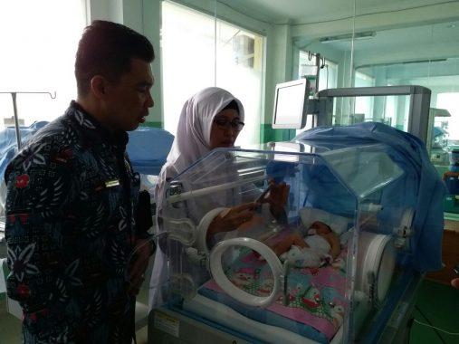 Fatimah Bayi Asal Lampung Tengah Lahir dengan Kondisi Memprihatinkan
