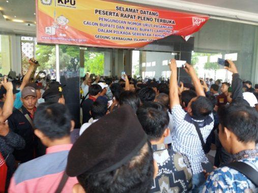 IZI Lampung Santuni Suhartono Pengidap Tumor Batang Otak, Ajak Masyarakat Turut Bantu