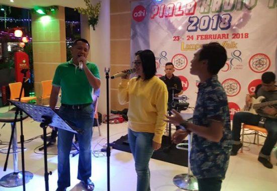 Isi Waktu Santai, Ridho Ficardo Hang Out Bareng Anak Muda Bandar Lampung