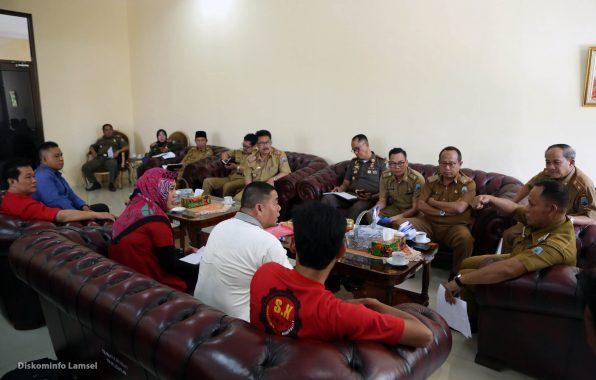 Pemkab Lampung Selatan Mediasi Buruh dan Manajemen PT San Xiong Steel