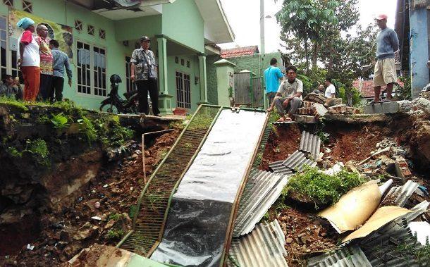 BMKG: Hujan Lebat Diperkirakan Guyur Lampung 7 Hari ke Depan, Waspada Tanah Longsor dan Angin Kencang