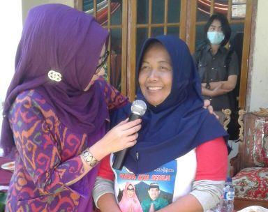 PILKADA TANGGAMUS: Kampanye di Airnaningan, Ini Alasan Dewi Handajani Programkan 1 Desa 1 Ambulans
