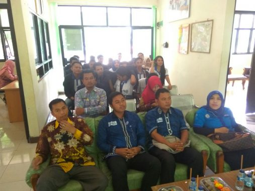 Kreatifitas Mahasiswa PKPM Darmajaya di Kecamatan Pagelaran Pringsewu Diapresiasi