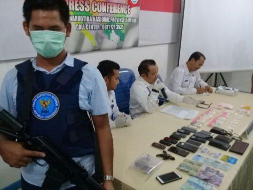 Tegas! BNNP Lampung Tembak Tiga Kurir Sabu-Sabu