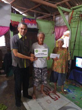 IZI Lampung Bantu Fakir Miskin yang Rumahnya Menumpang di Lahan Orang