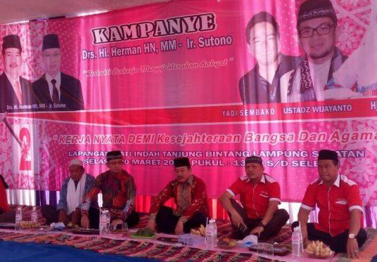 PILGUB LAMPUNG: Kampanye di Tanjung Bintang, Herman HN Janjikan Jalan Mulus