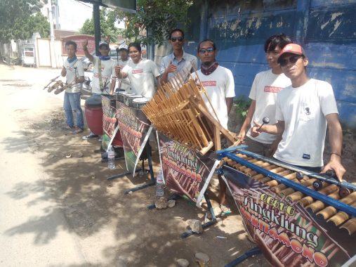 PILGUB LAMPUNG: Seniman Jalanan Kokitamono Kompak Dukung Herman HN