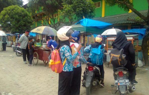 Pemuda Karang Taruna Kelurahan Perumnas Way Halim Tidak Punya Izin Minta Jatah ke Pedagang
