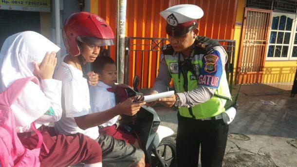 Model Lampung Sela: Setengah Badan Aja Deh....