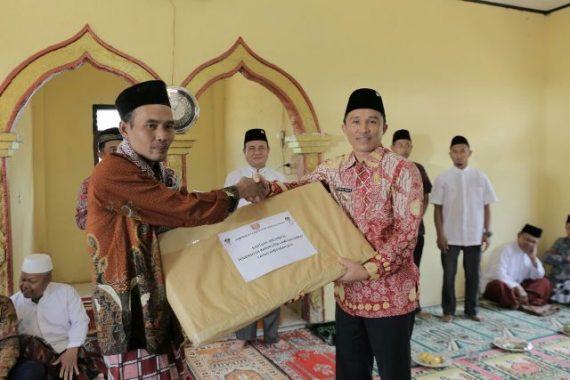 Bupati dan Wakil Bupati Lampung Barat Safari Jumat