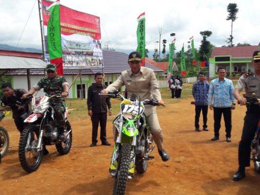 Bupati Parosil Mabsus Realisasikan Beasiswa Kedokteran Lampung Barat Hebat