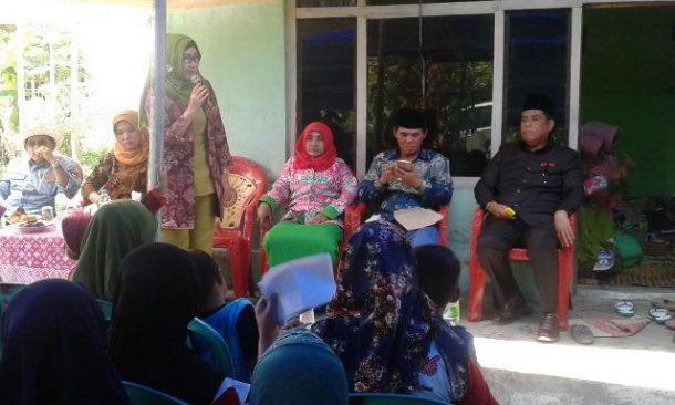 PILKADA TANGGAMUS: Dewi Handajani Sapa Pendukung di Pekon Tanjungan Pematangsawa dengan Bahasa Lampung, Jawa, dan Sunda