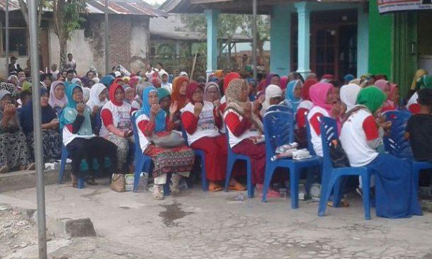 PILKADA TANGGAMUS: Di Pekon Rantautijang-Pugung, Dewi Handajani Janji Programkan Bedah Rumah