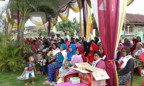 PILKADA TANGGAMUS: Dewi Handajani Temui Massa Pendukungnya di Pekon Banjarnegeri, Kecamatan Gunungalip